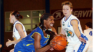 Pavla Kuritkova (BK Loko Trutnov) on the right